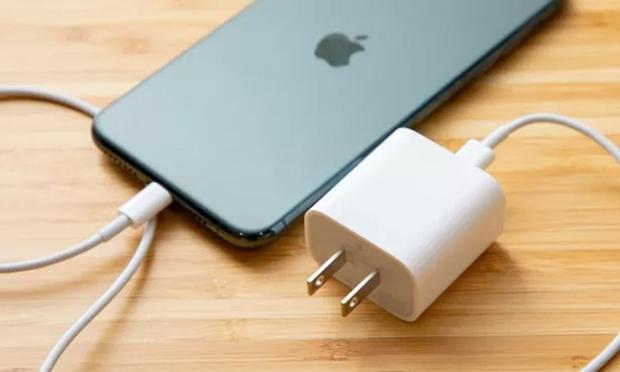 Thủ thuật đơn giản này sẽ giúp iPhone của bạn tránh bị đột tử khi cạn pin - Ảnh 1.