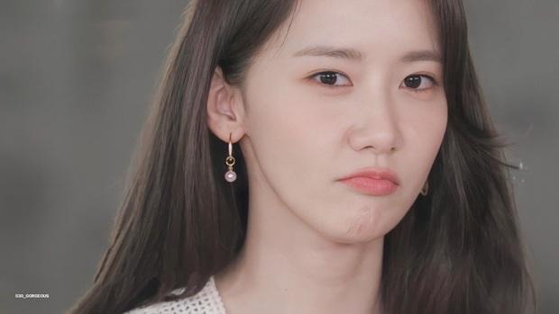 Yoona và Yuri tiết lộ tình huống trớ trêu: Đã đến lúc có những người không biết SNSD là ai - Ảnh 1.