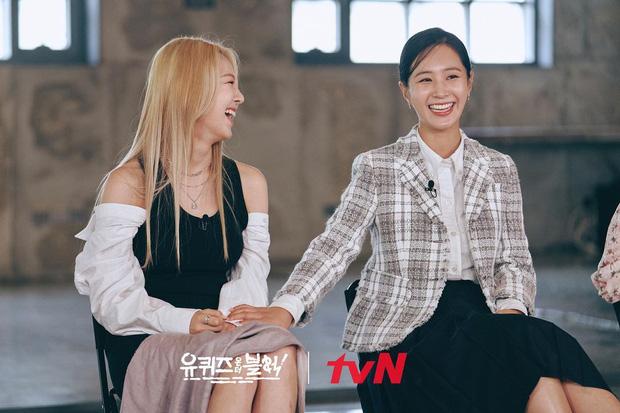 Yoona và Yuri tiết lộ tình huống trớ trêu: Đã đến lúc có những người không biết SNSD là ai - Ảnh 3.