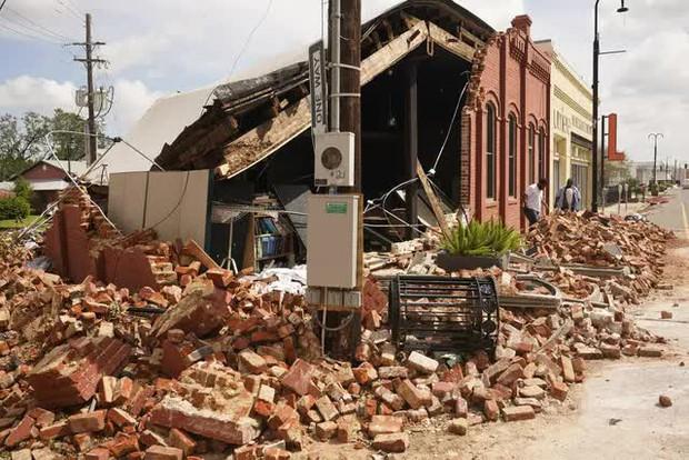 Mỹ: Số nạn nhân thiệt mạng do bão Ida tiếp tục tăng, nhiều nơi vẫn mất điện - Ảnh 8.