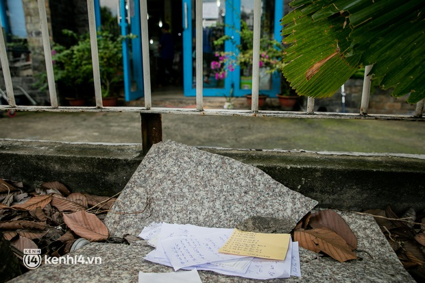 Phụ huynh loay hoay tìm mua sách cho con tại TP.HCM trong những ngày giãn cách xã hội - Ảnh 5.