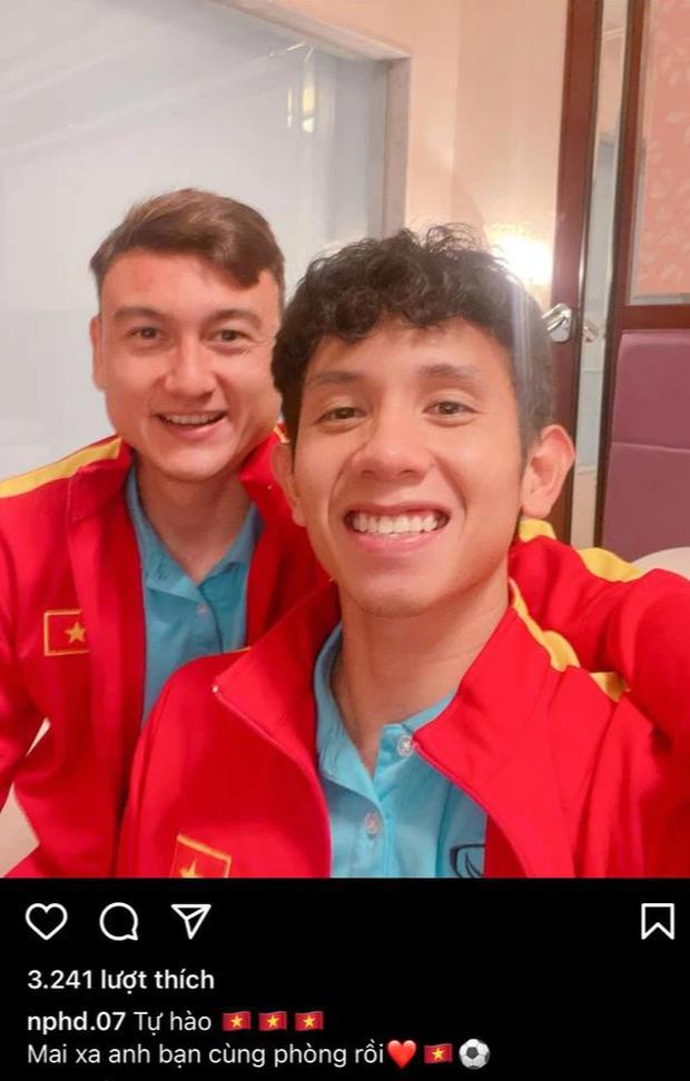 Đội tuyển Việt Nam sau trận đấu: Văn Toàn viết 4 từ quá đắt giá, Quang Hải nói 1 câu thương quá trời! - Ảnh 10.
