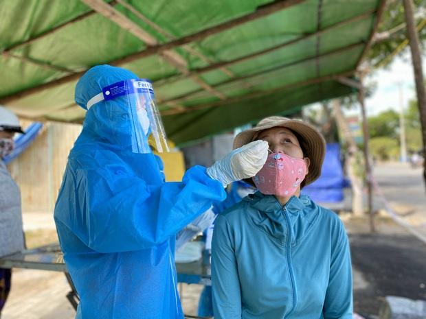 Thêm 34 ca Covid-19 mới, Đà Nẵng sẽ triển khai tiêm vắc xin quy mô lớn nhất lịch sử - Ảnh 1.