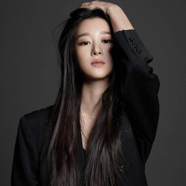 Seo Ye Ji cặp kè tài tử Kingdom ở phim mới về giới tài phiệt, netizen đòi mời Kim Jung Hyun làm nam phụ - Ảnh 1.