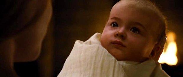 8 bí mật hậu trường Twilight khiến fan sang chấn: Con của Bella - Edward ban đầu nhìn cực kinh dị, có cảnh nóng bị cắt vì hở quá mức! - Ảnh 10.