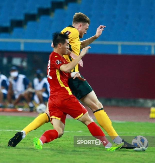 Ảnh: Những chàng trai Việt Nam vừa phải chiến đấu với đối thủ cao gấp rưỡi, nặng gấp đôi - Ảnh 2.