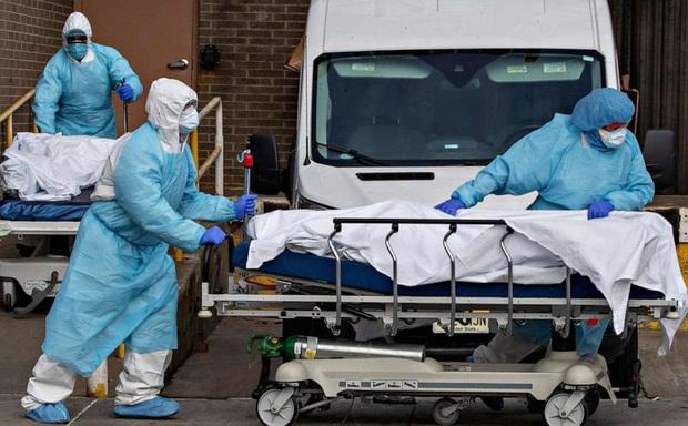 Vắc xin Moderna nhiễm bẩn: Phát hiện người thứ 3 tử vong ít giờ sau tiêm, Nhật Bản ngồi trên đống lửa - Ảnh 1.