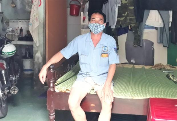 Nhiều hộ dân ở Đà Nẵng muốn đổi mì tôm, cá hộp sang tiền hỗ trợ, lãnh đạo phường nói gì? - Ảnh 1.