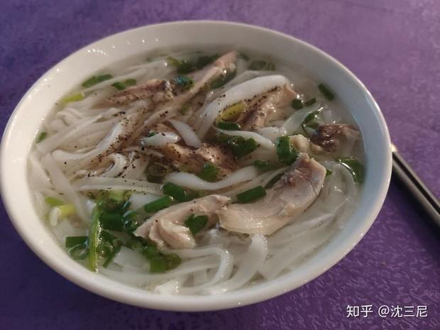 """Netizen Trung Quốc sốt sắng phân tích """"Vì sao người Việt Nam đều rất gầy?"""", nhìn vào đồ ăn thấy ngay sự khác biệt lớn - Ảnh 1."""