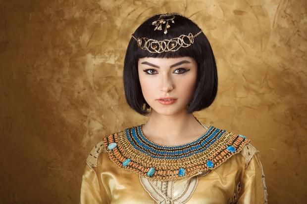 Chuyên gia phục dựng hình ảnh Nữ hoàng Ai Cập Cleopatra, dung nhan thật của huyền thoại sắc đẹp khác hoàn toàn hậu thế tưởng tượng - Ảnh 2.