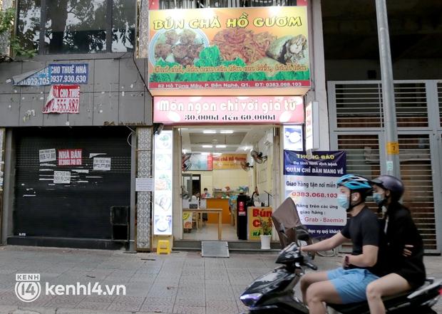 NÓNG: TP.HCM cho phép hàng quán ăn uống mở lại, chỉ bán mang về từ 8/9 - Ảnh 1.