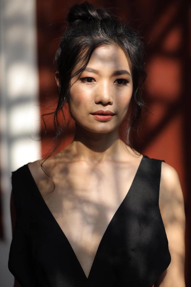 Nữ diễn viên mỉa mai Khánh Thi trả tự do cho Phan Hiển tiếp tục công kích, lời lẽ tục tĩu khiến netizen phẫn nộ - Ảnh 2.