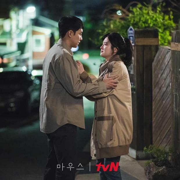 Loạt phim Hàn ấn tượng nhất 3 quý đầu năm 2021: Bom tấn của Song Joong Ki - Hospital Playlist 2 so kè khốc liệt - Ảnh 8.