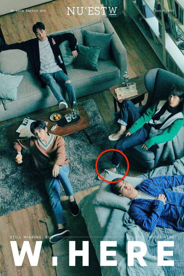 Những pha photoshop đi vào lòng đất: Ở đâu chui ra 1 bàn tay lạ khoác vai Taeyeon, chị đại CL có hẳn 3 bàn chân - Ảnh 13.