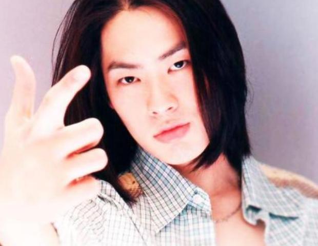 """Ngô Kiến Hào: Thành viên bị chê xấu nhất F4 kết hôn kiều nữ Singapore cùng 1001 drama ly hôn và cú """"lội ngược dòng"""" ngoạn mục ở tuổi 43 - Ảnh 3."""