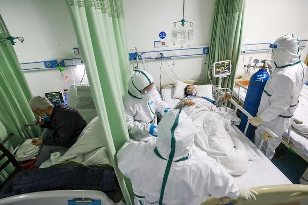 Y bác sĩ tuyến đầu chống dịch kiệt quệ với gánh nặng trên vai: Khổ sở trăm bề nhưng nếu mình cũng gục ngã, bệnh nhân sẽ ra sao? - Ảnh 3.