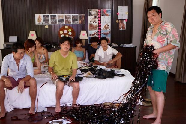 Hàn Quốc từng làm phim về hậu trường cảnh khiêu dâm: Từ bí kíp che chắn chỗ ấy tới hợp đồng lột đồ đều được bóc mẽ - Ảnh 7.
