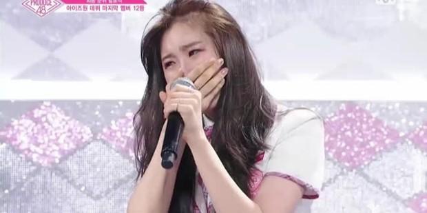 Sự nghiệp lênh đênh của Chaeyeon: Lỡ cơ hội debut với TWICE, IZ*ONE tan rã chóng vánh, đến lúc đi thi đấu thì liên tục rơi nước mắt - Ảnh 11.
