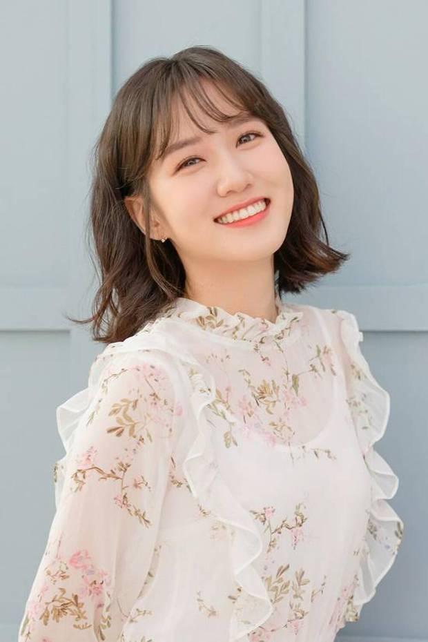 Lộ tạo hình giả nam đỉnh cao nhất phim Hàn, Cúc Tịnh Y bỗng bị netizen réo tên vào đây mà học tập - Ảnh 4.