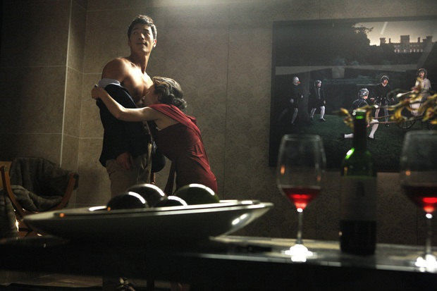 Phim Hàn bóc phốt chaebol suýt bị cấm chiếu vì quá trần trụi: Sốc nhất là cảnh nóng của cặp cô - cháu hơn nhau 31 tuổi - Ảnh 6.