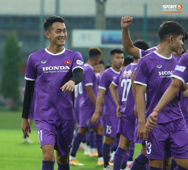 5 cầu thủ U22 Việt Nam được HLV Park Hang-seo gọi lên đội tuyển quốc gia - Ảnh 2.