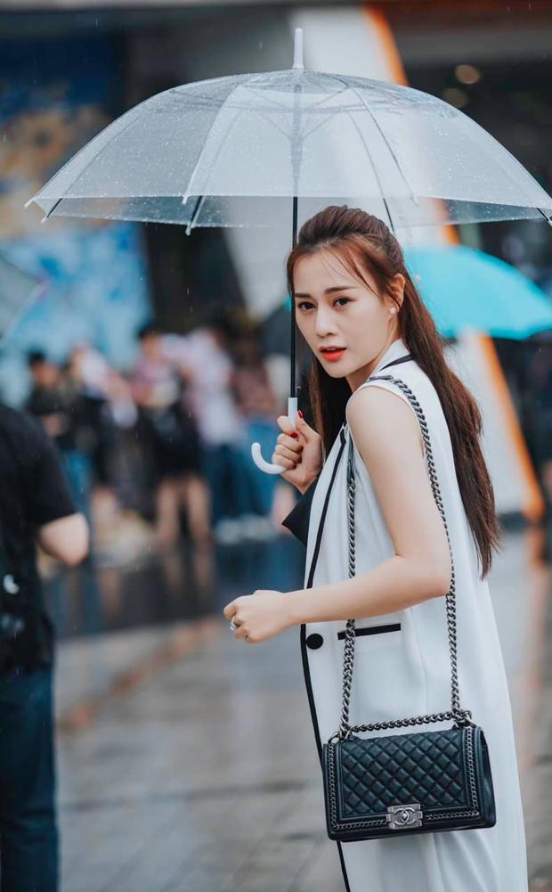 Đập tan tin đồn dùng hàng fake, Phương Oanh được chứng minh diện khăn Chanel xịn 100% trong Hương Vị Tình Thân - Ảnh 8.