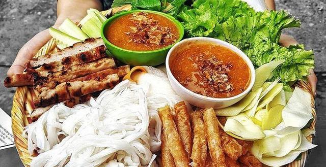 Thèm ăn nem nướng Nha Trang mà chưa kịp đi thì ăn ở đâu Hà Nội?
