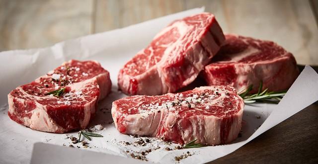 Những người thường xuyên sử dụng thịt đỏ có nguy cơ mắc ung thư cao hơn hẳn các đối tượng khác