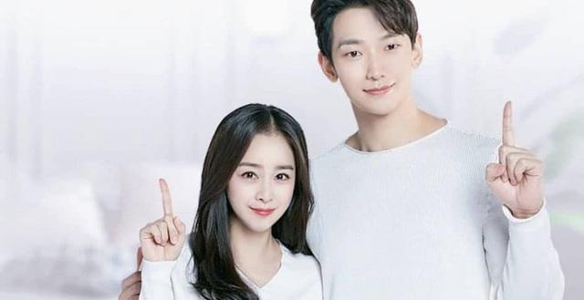 Kim Tae Hee và Bi Rain tung ảnh hậu trường: Ngắm mỹ nhân 2 con đẹp, kéo xuống hình vợ chồng mà ngã ngửa