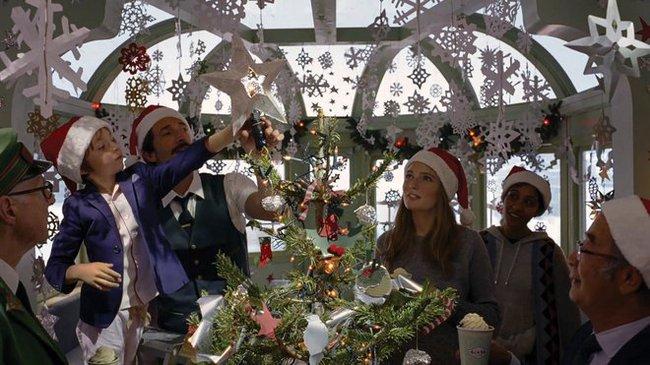 Gió lạnh vừa về, lòng đã lại thấy ấm với phim Giáng sinh của H&M - Ảnh 7.
