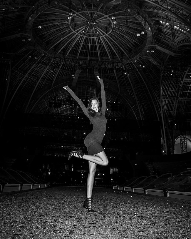 Cựu thiên thần Doutzen bất ngờ xuất hiện tại buổi tổng duyệt Victorias Secret Fashion Show 2016 - Ảnh 4.
