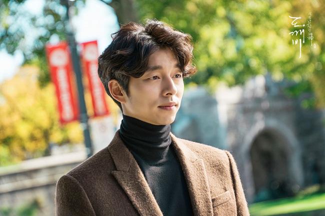Cặp soái ca Gong Yoo - Lee Dong Wook của Goblin mặc đẹp như thế này hèn chi fan cứ dán mắt vào màn hình - Ảnh 1.