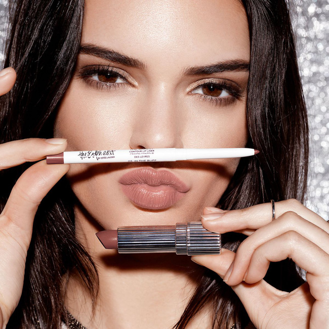 Sai lầm làm đẹp lớn nhất của Kendall Jenner là... nhổ sạch lông mày - Ảnh 3.