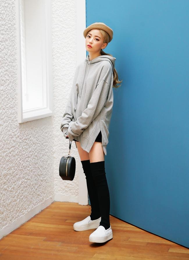 Mặc kệ các loại áo trendy khác, cứ thu sang là áo hoodie vẫn cứ hot như thường - Ảnh 8.