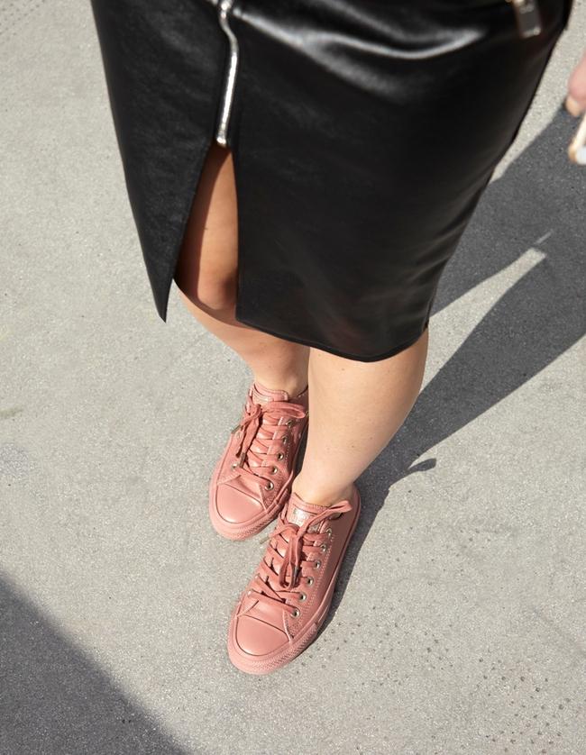 Giày Converse có thể xinh yêu, sang chảnh đến như thế này sao? - Ảnh 7.