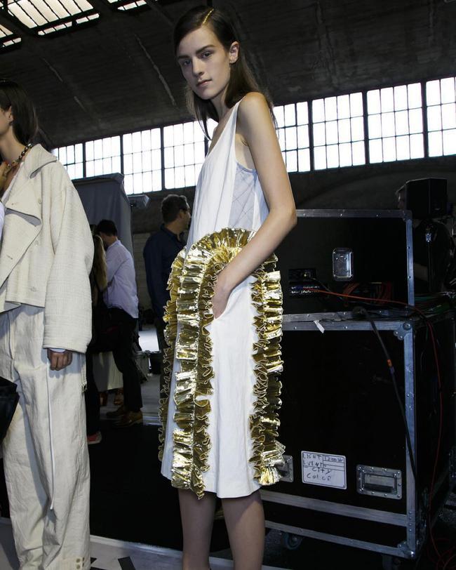 Cựu người mẫu 19 tuổi từng suýt chết vì ép cân tiết lộ mặt trái cay đắng của ngành công nghiệp thời trang - Ảnh 6.