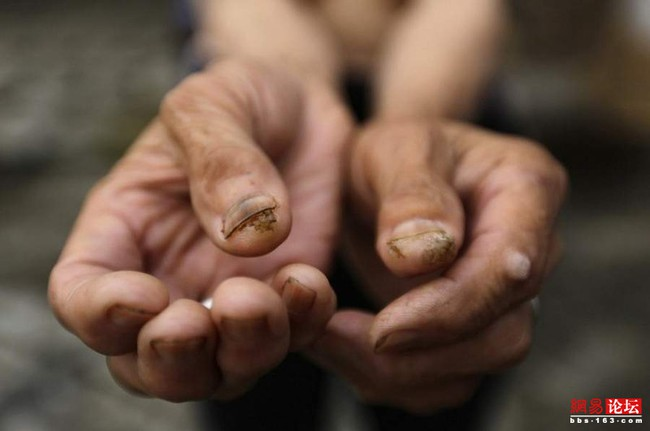Khung cảnh hoang tàn ở ngôi làng ung thư nổi tiếng Trung Quốc khiến nhiều người không khỏi rùng mình - Ảnh 2.