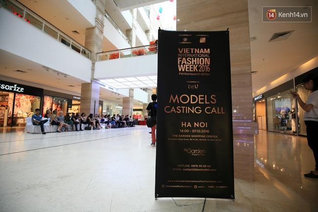 Vietnam International Fashion Week rục rịch tuyển mẫu, chuẩn bị tổ chức tại Hà Nội - Ảnh 1.
