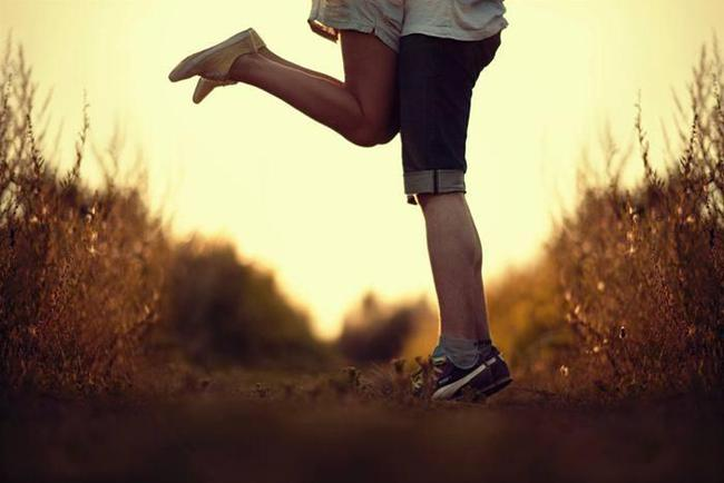 Thời bây giờ người ta thích những mối tình giản đơn, nhưng người ta lại dùng những cách phức tạp để yêu nhau! - Ảnh 1.