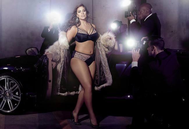 Mẫu béo Ashley Graham muốn làm thiên thần Victorias Secret, Bella Hadid từng bị đánh trượt khỏi show năm ngoái - Ảnh 1.