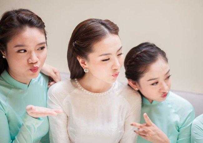 Ngắm trọn bộ 7 chiếc váy cưới, 4 bộ áo dài cùng loạt phụ kiện xa xỉ của cô gái thời tiết Mai Ngọc - Ảnh 27.