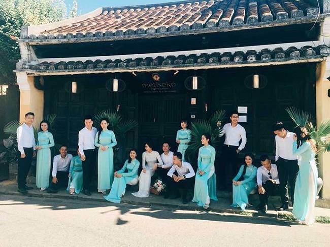 Ngắm trọn bộ 7 chiếc váy cưới, 4 bộ áo dài cùng loạt phụ kiện xa xỉ của cô gái thời tiết Mai Ngọc - Ảnh 28.