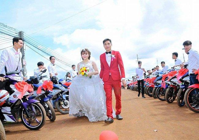 Đẹp mắt với dàn rước dâu với 90 xe Yamaha Exciter tại Bình Phước - Ảnh 6.