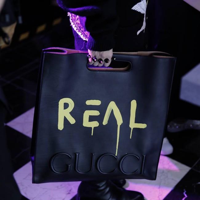 Kelbin Lei chi đến hơn 260 triệu đồng để dự Singapore Fashion Week , đụng túi hiệu với Hồ Ngọc Hà - Ảnh 9.