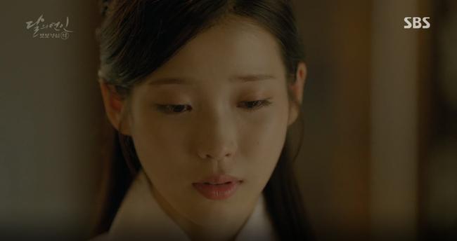"""""""Moon Lovers"""": Mặc cảm tội lỗi, Seohyun gieo mình tự vẫn - Ảnh 17."""