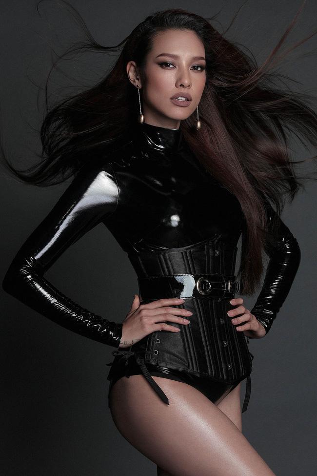 Hoa hậu Mỹ Linh hiền lành giữa dàn mỹ nhân sexy tới bến như Angela Phương Trinh, Mai Ngô, Chi Pu... - Ảnh 7.