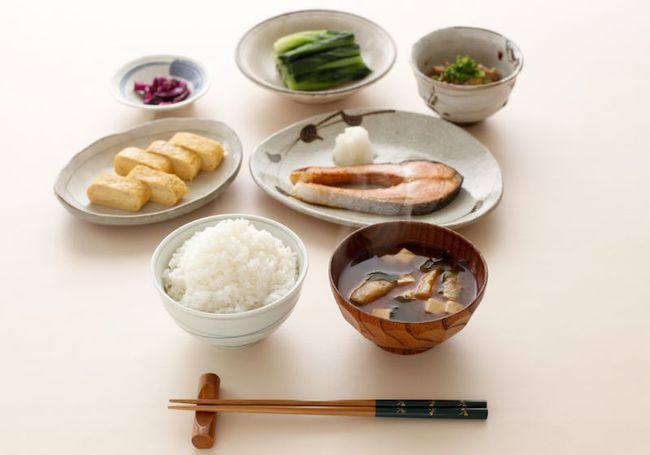 7 thói quen giúp phụ nữ Nhật dáng chuẩn eo thon và bạn cũng nên học theo - Ảnh 2.