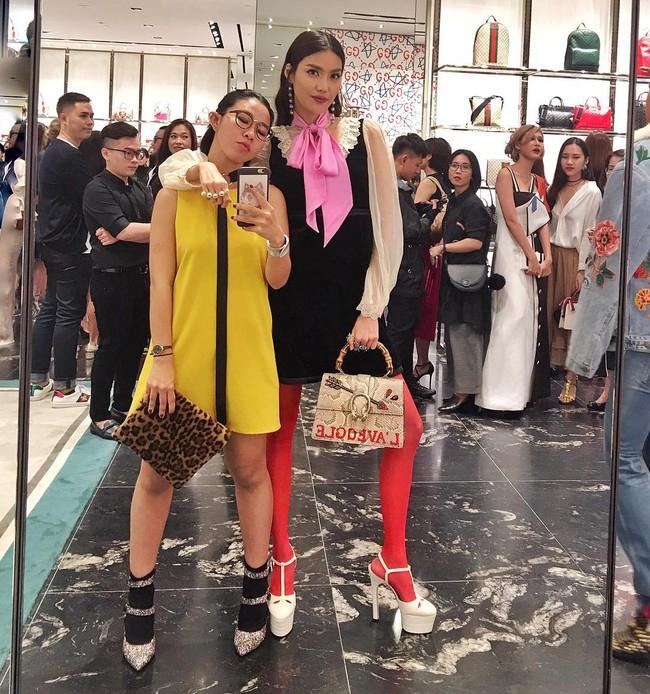 Hà Hồ, Lan Khuê và loạt fashionista, fashionisto Việt khoe ảnh dự tiệc thời trang ngập cả Instagram - Ảnh 1.