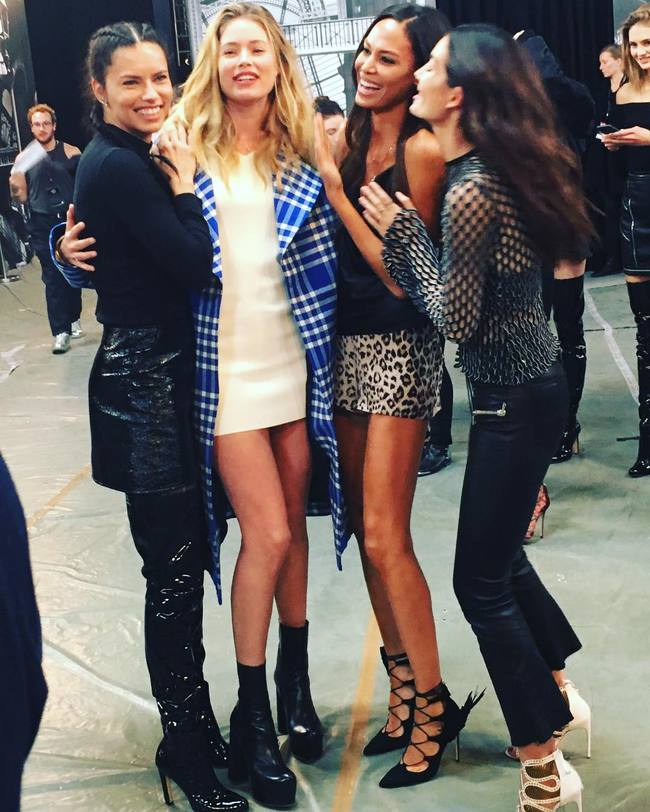 Cựu thiên thần Doutzen bất ngờ xuất hiện tại buổi tổng duyệt Victorias Secret Fashion Show 2016 - Ảnh 10.