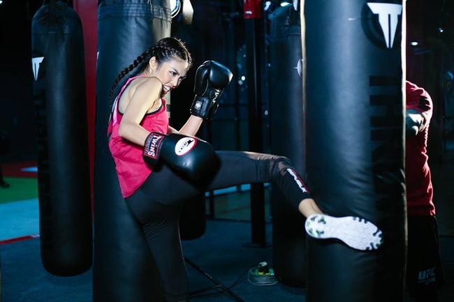 Huyền thoại MMA ngạc nhiên về khả năng võ thuật của Lan Khuê - Ảnh 7.